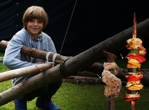 Familienprogramm in der OASE-K77 - Bushcraft & Survival Basics